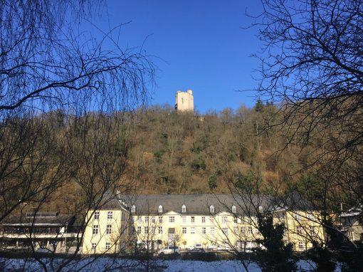 Burgberg mit Burg und Schloss Laurenburg